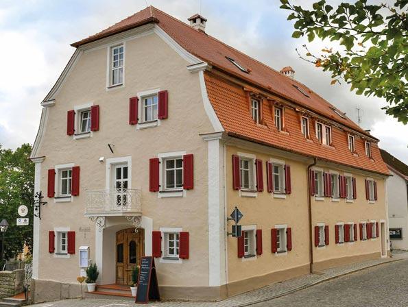 Nuerminger-Sanierung-Gebaeude-Klostergasthof-Heidenheim-DSC_0166-595x448