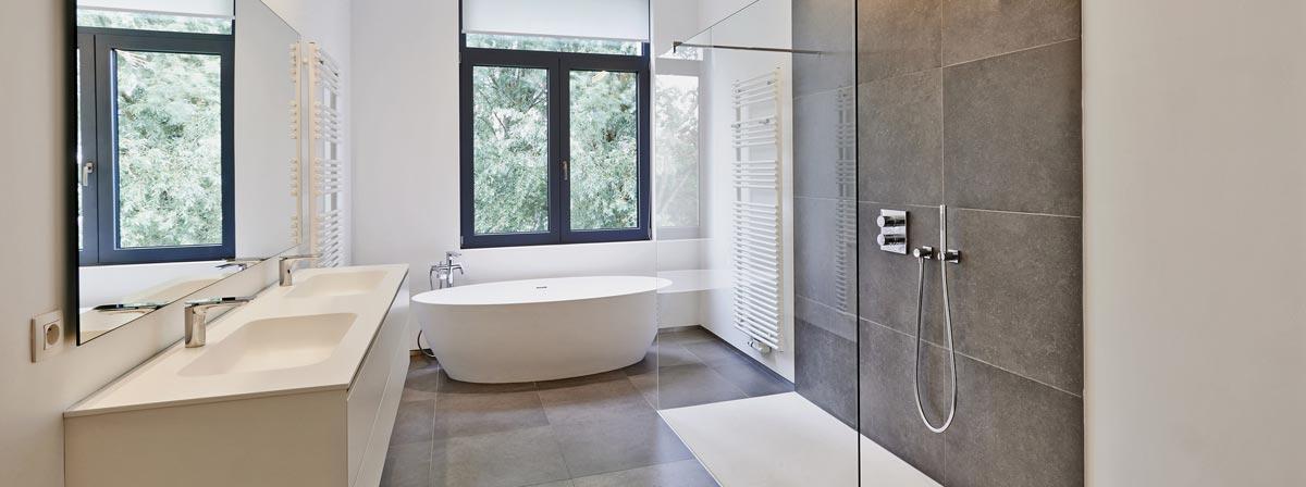 nuerminger-große-badezimmer-1200x448